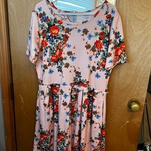 🌸 Lularoe Amelia 2XL dress with pockets